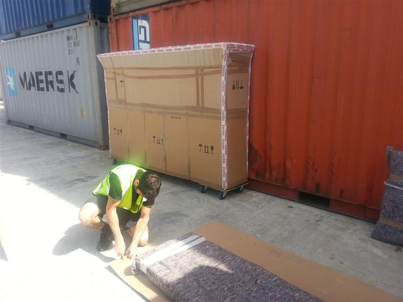 How to ship abroad