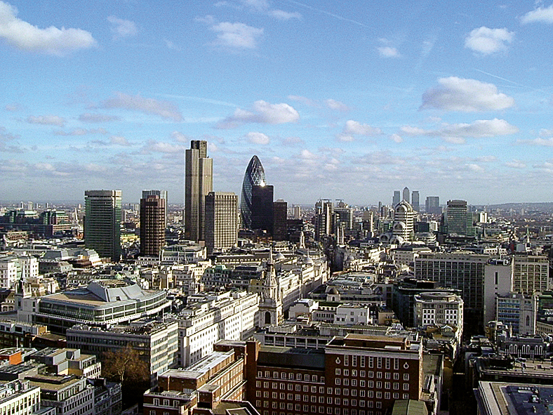 https://commons.wikimedia.org/wiki/File:050114_2495_london_city.jpg